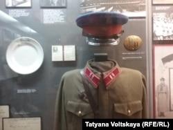 Форма сотрудника НКВД. Экспонат Музея политической истории