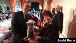 Подарок Бараку Обаме от супруги Мустафы Джемилева Сафинар