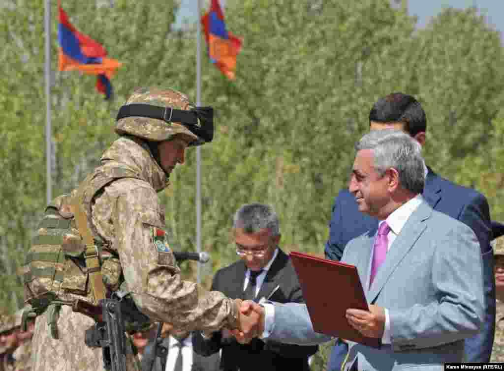 В Армении прошли военные учения стран ОДКБ, в которых приняли участие и кыргызские военные