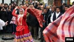 Gilan vilayətinin Rəşt şəhərində mədəniyyət festivalı.