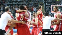 Turkish players celebrating the win over Serbia
