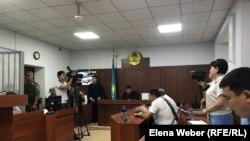 Заседание по делу об убийстве инспектора Ерлана Нургалиева. Караганда, 27 августа 2019 года.