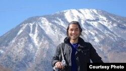 Режиссер-документалист Брэндон Ли, снявший фильм о казахах-беркутчи в Монголии.