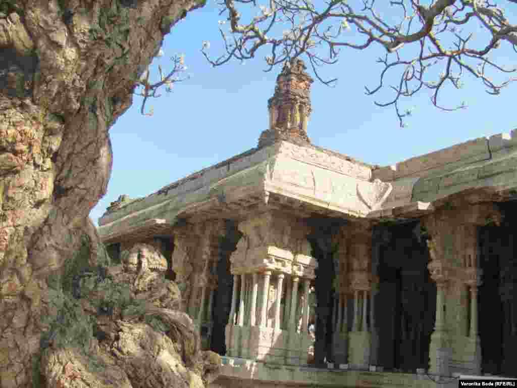 Хампи - настоящий рай для историков, археологов, культурологов и просто туристов.