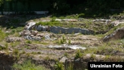 Територія біля залишків фундаменту Десятинної церкви в Києві
