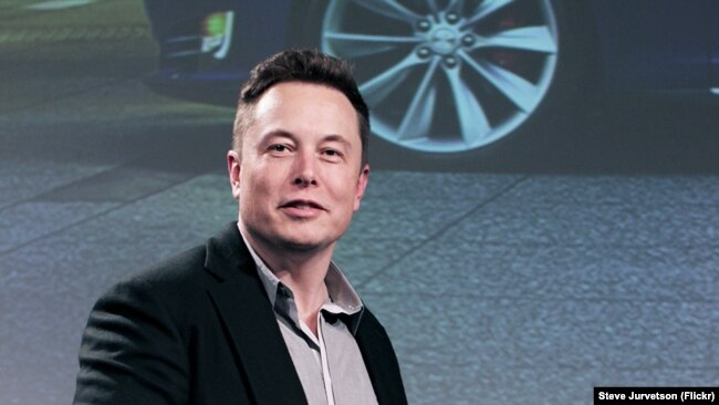 İki turisti Aya texnologiyalar milyarderi Elon Musk göndərəcək
