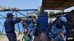 اسلام اباد تېر کال د افغان کډوالو د اېستلو ګامونه تېز کړل.
