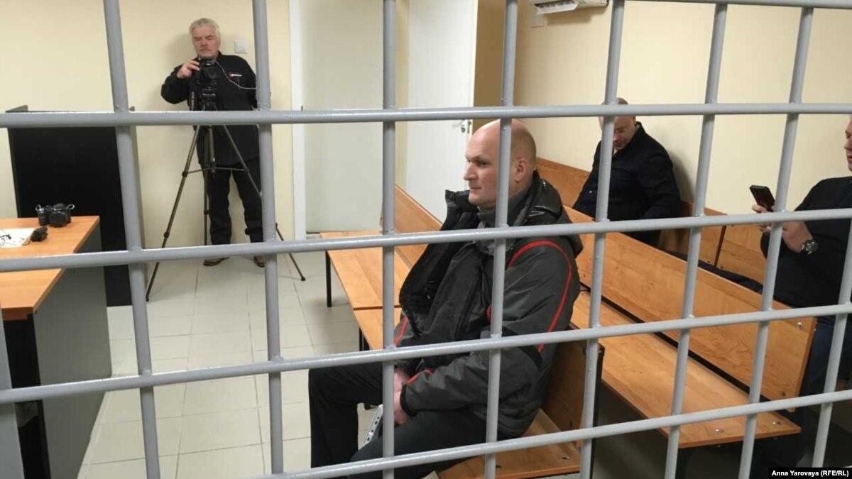 В российской Карелии начался суд над начальником колонии, где сидел активист Дадін