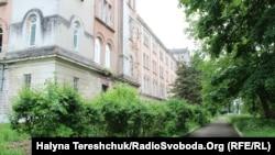 Психіатрична лікарня розташовується у палаці графа Скарбека