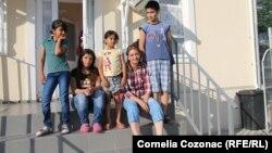 Copii sirieni la Mereni
