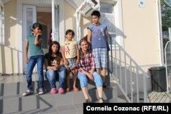 Copii ai refugiaților sirieni la Mereni