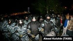 Polis əməkdaşları hadisə yerində