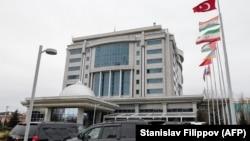 Сирия келіссөздері өтіп жатқан Rixos President Hotel қонақ үйі. Астана, 30 қазан 2017 жыл