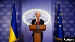 Украинскиот премиер Аресениј Јацењук.