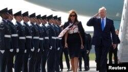 Американският президент Доналд Тръмп и първата дама Мелания Тръмп пристигнаха в Лондон
