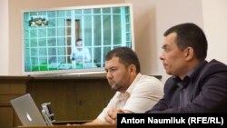 Адвокаты Зейтуллаева Эдем Семедляев и Эмиль Курбединов в Верховном суде России, 27 июля 2017 года