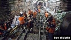 Москванын метро курулушунда иштеген мигранттар