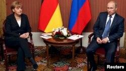 Ангела Меркель і Володимир Путін, 6 червня 2014 року