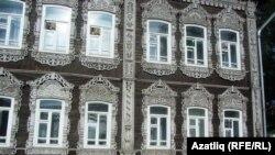 Томскида бизәкләп эшләнгән борынгы йорт