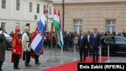 Odnosi su dobri, osim jednog trna oko kojega se gnoji meso, opisao je Orban metaforom odnose Zagreba i Budimpešte