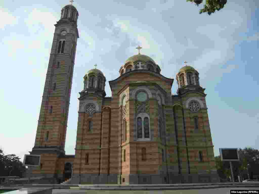 В Республике Сербской этот Храм Христа Спасителя называют новой-старой жемчужиной. Открыт в 2004 году