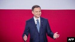 Анджей Дуда після оголошення результатів екзит-полу. Варшава, 24 травня 2015 року