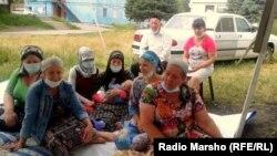 Весной этого года переселенцы должны были отпраздновать новоселье в четырех многоквартирных домах в селе Яндаре. Однако построены они так и не были