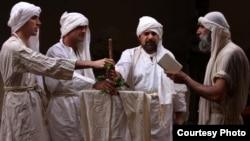 صابئة مندائيون يؤدون شعائرهم الدينية
