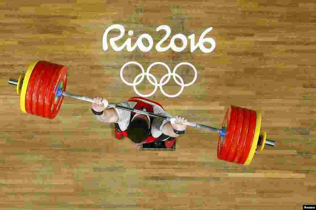 ოლიმპიური ჩემპიონი +105 კგ წონითი კატეგორიის ძალოსანთა შორის ლაშა ტალახაძე რიოს ფიცარნაგზე.
