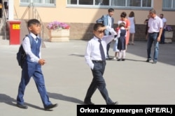 На школьном дворе. Астана. Иллюстративное фото.