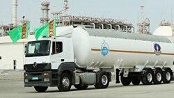 Türkmenistan ýurtdaky benzin gytçylygynyň fonunda Owganystana 60 tonna ýangyç iberdi