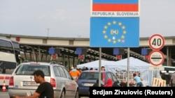 Migrants la punctul de trecere a frontierei croato-slivene d ela Bregana, 19 septembrie 2015.