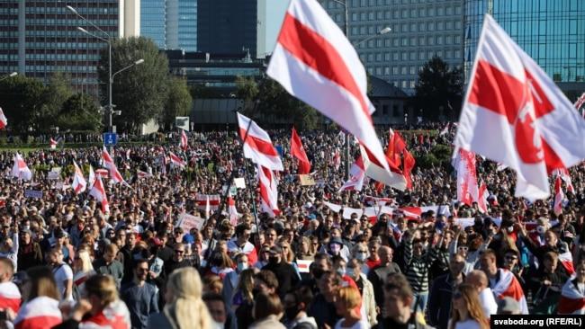 Як у Менску прайшоў статысячны «Марш справядлівасьці». ШМАТ ФОТА
