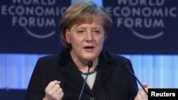 Меркель открывает Всемирный экономический форум в Давосе