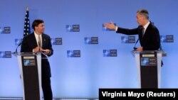 ԱՄՆ պաշտպանության նախարար Մարք Էսպերը և ՆԱՏՕ-ի գլխավոր քարտուղար Յենս Ստոլտենբերգը, Բրյուսել, 26 հունիսի, 2020թ.