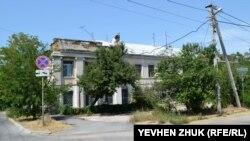 Многострадальный дом №7