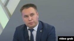 Максат Оморов.