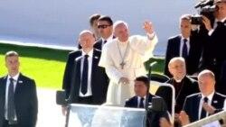 Roma Papası Tbilisidə etiraz aksiyası ilə üzləşib