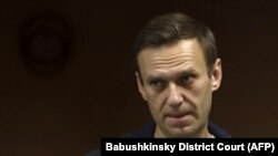 Германия депутатлари Навальнийнинг соғлиғи ҳақидаги хабарларни чуқур хавотир билан кузатиб бораётганликларини айтганлар.