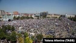 Акция протеста против этнической чистки мусульман в Мьняме. Грозный, 4 сентября 2017 года
