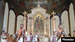 Սուրբ Ծննդյան Պատարագը Մայր Աթոռ Սուրբ Էջմիածնում: 6-ը հունվարի, 2011թ.