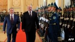 Қазақстан президенті Нұрсұлтан Назарбаев пен Беларусь президенті Александр Лукашенко. 24 мамыр 2011 жыл.
