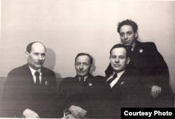 Беларускія пісьменьнікі Якуб Колас, Янка Купала, Пятрусь Броўка, Зьмітрок Бядуля, 1939