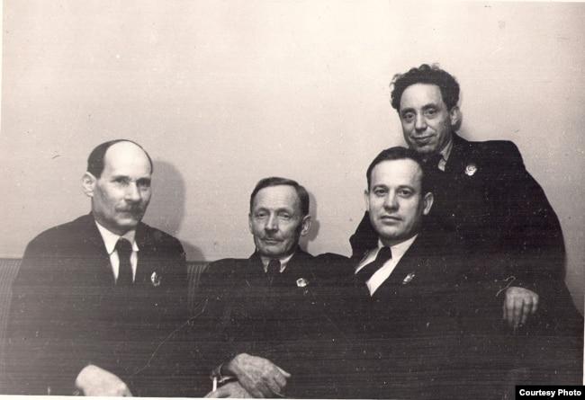 Якуб Колас, Янка Купала, Пятрусь Броўка, Зьмітрок Бядуля 1930-я гг.