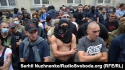 Активісти «Азову» під Печерським судом, 10 вересня