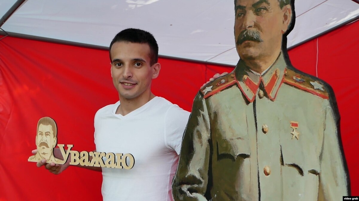 Stalin-Fest Draws Admiring Crowds In Siberia