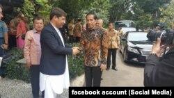 یک عضو هیئت شورای عالی صلح در دیدار با رئیس جمهور اندونیزیا