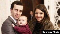 თაზო ლეჟავა მეუღლესთან და ქალიშვილთან ერთად
