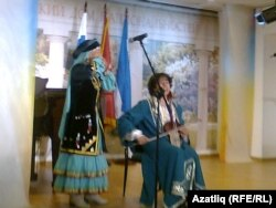 Башкорт һәм татар әсәрләреннән торган концерттан күренеш