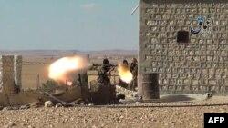 Imagini ale unor militanți islamici difuzate pe un canal Youtube